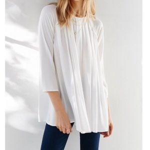 Kimchi Blue Large White Pleated Tunic Top
